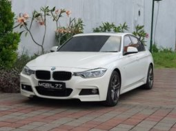 Jual Mobil BMW 3 Series 330i M-Sport 2016 di Jawa Timur