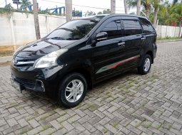 Jual Mobil Daihatsu Xenia R DLX matic 2011 di Bekasi