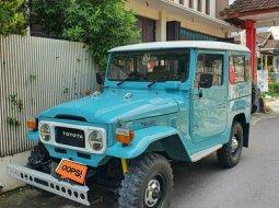 Jual Mobil Toyota Land Cruiser FJ 40 1990 di Jawa Timur