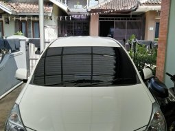 Jual Mobil Bekas Daihatsu Xenia R Family 2012 di Jawa Barat