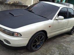 Dijual Mobil Bekas Mitsubishi Galant 2.0 Automatic 1994 di Sumatra Utara