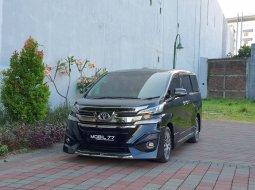 Dijual Cepat Toyota Vellfire G 2017 Hitam di Jawa Timur