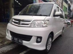 Dijual Mobil Bekas Daihatsu Luxio X 2013 di Jawa Barat