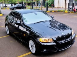 Dijual Mobil Bekas BMW 3 Series 320i 2010 di Jawa Barat