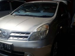 Nissan Grand Livina XV matic 2008