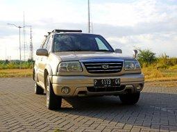 Jual Mobil Suzuki Grand Escudo XL7 2.5 AT 2003 Surabaya