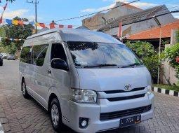 Dijual Mobil Toyota Hiace Commuter 2.5 MT Diesel Silver 2015 Surabaya