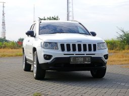 Jual Mobil Jeep Compass 2.4 AT Putih 2012 Surabaya