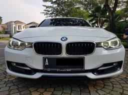 Jual Mobil BMW 320i Sport AT 2014 di Tangerang Selatan