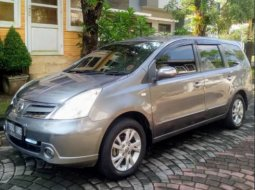 Dijual Mobil Nissan Grand Livina XV 2011 di DI Yogyakarta
