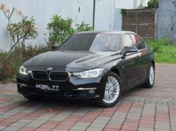 Dijual Mobil BMW 3 Series 320i F30 Luxury 2018 di Jawa Timur