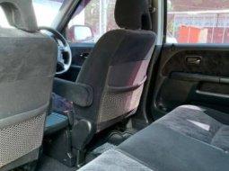 Dijual Mobil Honda CR-V 2.0 i-VTEC 2005 di Jawa Tengah