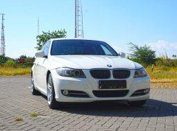 Jual Mobil BMW 320i 2.0 AT E90 Sedan Putih 2014 Surabaya