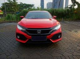 Dijual Honda Civic 1.5 Turbo E CVT Hatchback Merah 2018  Surabaya