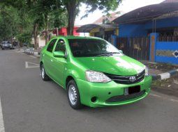 Jual Mobil Toyota Etios 2013 Sedan Manual di Jawa Timur