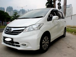 Jual Honda Freed SD 2015 Putih di DKI Jakarta