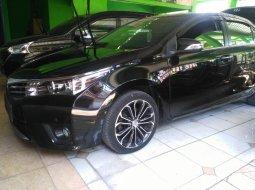 Dijual Toyota Corolla Altis 1.8 V AT 2015 Black on Beige di Jawa Timur