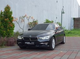 BMW 3 Series 320i 2018 Hitam