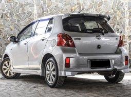 Toyota Yaris E 2012