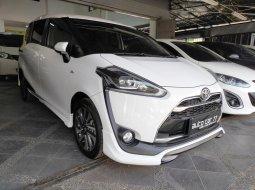Toyota Sienta Q 2016 Putih