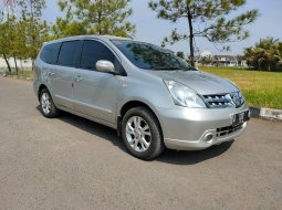 Nissan Grand Livina 1.5 Ultimate A/T 2012 Silver