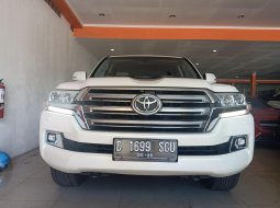 Toyota Land Cruiser VX 200 4.5 V8 Diesel