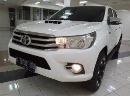 Jual Toyota Hilux D Cab 2017 Putih di Jawa Tengah