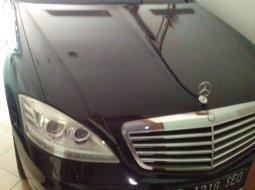 Dijual Cepat Mercedes-Benz S-Class S 350 L Hitam 2011 di DKI Jakarta