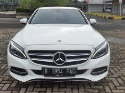 Mercedes-Benz C200 Advantgarde White On Black Mulus Terawat TDP 160Jt