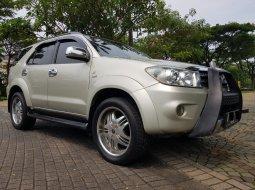 Dijual Mobil Toyota Fortuner G Luxury AT 2006 di Tangerang Selatan