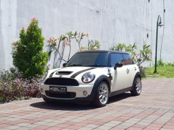 MINI Coupe Cooper S 2008 Putih