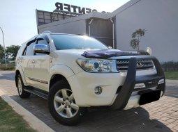 Dijual Toyota Fortuner G DSL matic 2010 Putih km istimewah 98rb di Bekasi