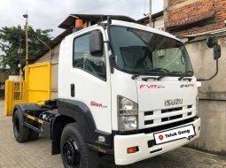 Dijual Isuzu Giga Engkel 4x2 FVR34P TH Tractor Head 2018 di DKI Jakarta