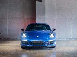 Porsche 911 Carrera 4 GTS - British Legend Edition