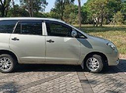 Toyota Kijang Innova Bensin manual Th 2009