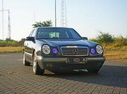 Mercedes-Benz E-Class 230 TE 1997 Sedan