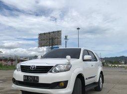 Toyota Fortuner G mt 2011 diesel putih