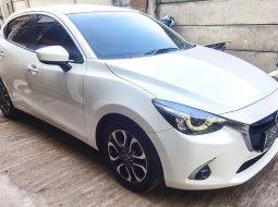 Mazda 2 R Skyactive 2017 Putih Facelift Mulus dan Terawat sekali