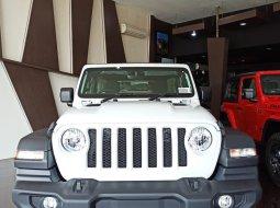 Jeep Wrangler Sport 2d putih 2020
