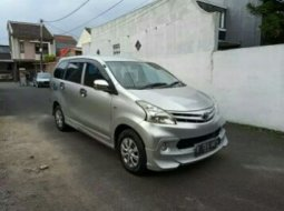 Jual cepat mobil Toyota Avanza E 2013 di Bekasi