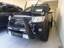 Toyota Hilux 4x4 V 2013 At Hitam