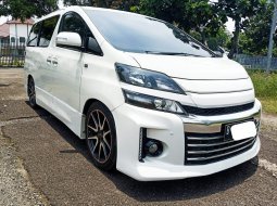 Toyota Vellfire GS 2.4 AT 2013