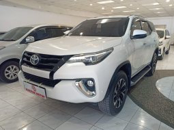 Toyota New Fortuner 2.4 VRZ AT 2017 Putih Km Rendah Murah
