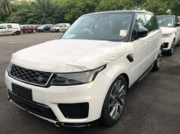 Range Rover Sport HSE Ingenium 2.0 litre 4-cylinder 300 PS Turbocharged Petrol 2020
