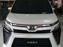 Promo Toyota Voxy murah