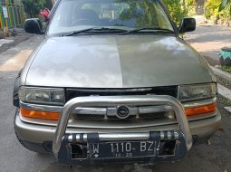 Opel Blazer Montera Th 2002