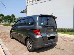 Honda Freed PSD 1.5 matic 2011