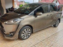 Toyota Sienta Q 2016 mulus di DKI Jakarta