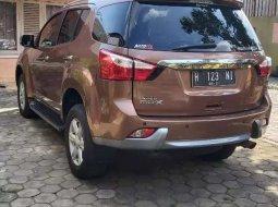 Mobil Isuzu MU-X 2015 terbaik di Jawa Tengah