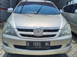Mobil Toyota Kijang Innova 2005 V terbaik di DKI Jakarta
